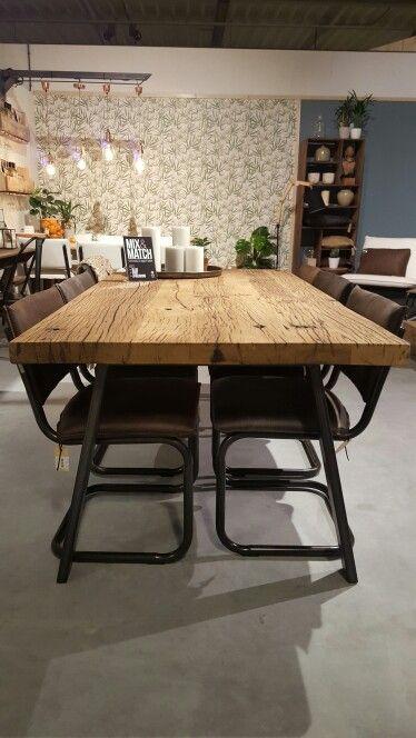 Trots op onze nieuwe unit @loods5 Amersfoort. Tafel, wagondelen, comfi, botanic, kamer, keuken. LijnMbyLoods5
