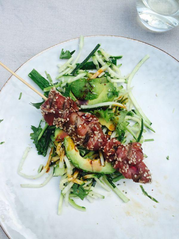 Malse biefstuk met Aziatische salade. Heerlijke gegrilde biefstukpuntjes van de BBQ. Met deze zomerse dagen kan een BBQ toch niet niet ontbreken. Met dit gerecht wil je elke dag wel...