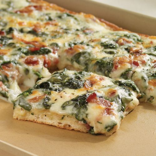 Spinach Carbonara Pizza - The Pampered Chef® Shop with me at www.pamperedchef.biz/KarenSpink Find me on Facebook https://www.facebook.com/Pamper.the.chef.n.u/ if you have any questions please email me at mscamerachick@gmail.com or call me @ 636-208-3418