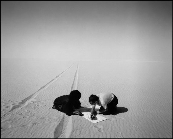 NIGER—During the filming of La Captive du Désert, 1990.