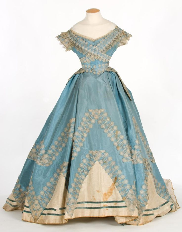 Evening dress ca. 1860's From the Centre de Documentació i Museu Tèxtil de Terrassa