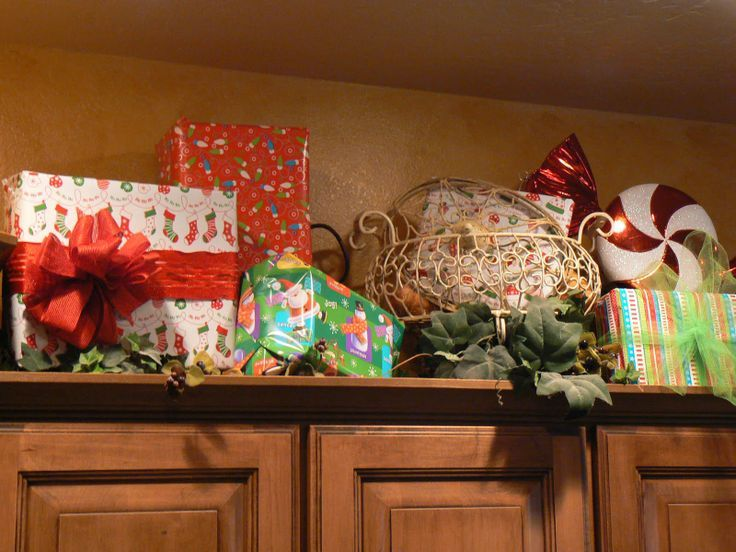 Kitchen Cabinets Ideas christmas decorating above kitchen cabinets : 1000+ images about christmas above kitchen cabinets on Pinterest ...