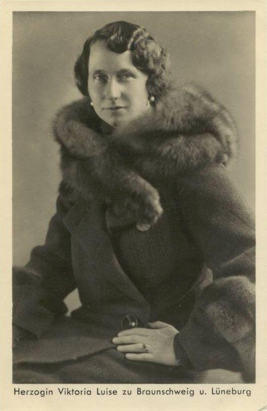 Viktoria Luise , Duchess of Brunswick nee prinzessin von preussen. Viktoria Luise is grandmother of Carolina de Monaco Husband Ernst August Hannover (Hungover), King Constantine II of Greece and Queen Sophie of Spain.