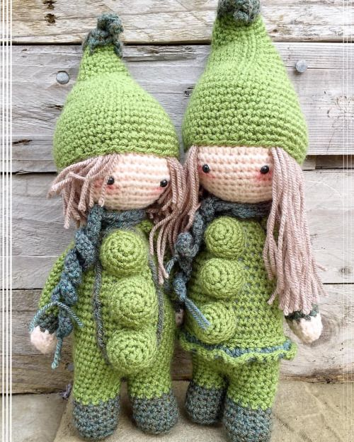 Pixie-Crafts • Meet the pea pod siblings. Heading off to their...