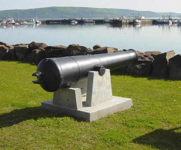 Digby: Loyalist Park cannon - Remembering our Canadian and Loyalist Roots as Canada's 150th birthday approaches #WinWithDigbyPines