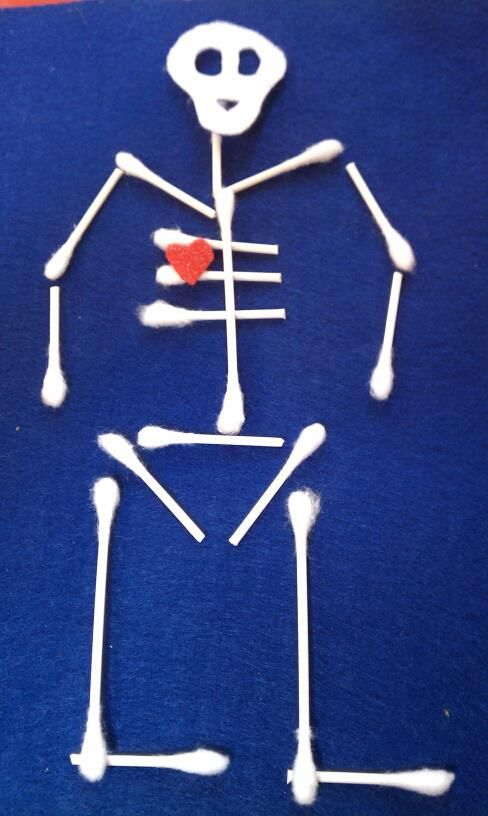 Pre-K SCIENCE: Skeletons and Bones!  Cotton swabs on felt. (+ other boney activities)