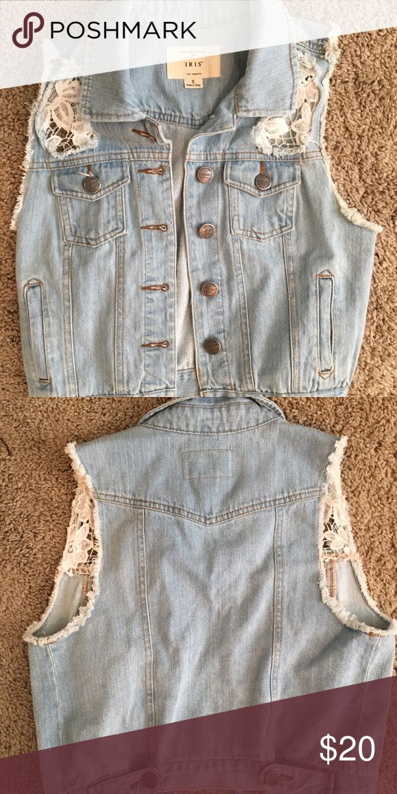 Cropped sleeveless jean jacket Check out this boutique sleeveless cropped jean jacket! Add some style to an ordinary dress! Tags removed but has never been worn! Iris Jackets & Coats Jean Jackets