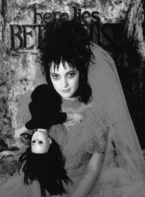 Winona Ryder - 'Beetlejuice', 1988. - seriously, this hair is awesome.