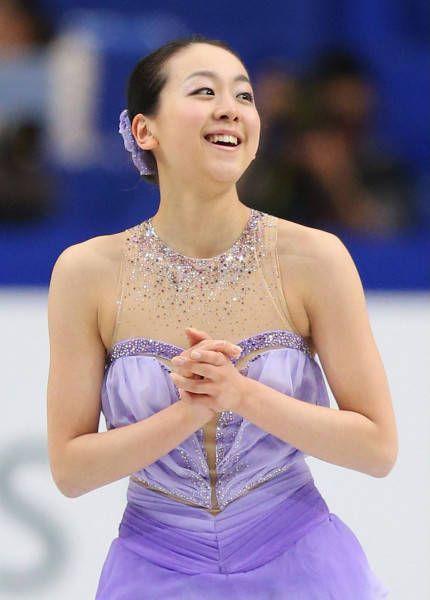フィギュアスケートの世界選手権第2日は3月27日、さいたまスーパーアリーナで女子ショートプログラム(SP)が行われ、ソチ五輪6位の浅田真央(中京大)が世界歴代最高の78.66点をマークした。従来の最高は金妍児(韓国)が2010年バンクーバー五輪で挙げた78.50点だった。  写真...