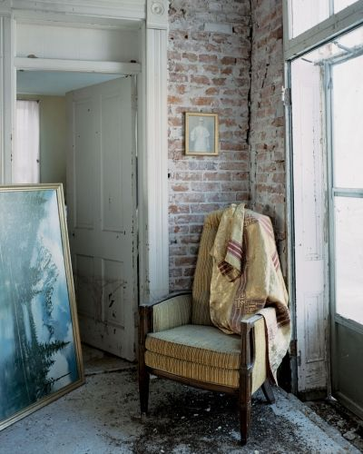 Alec Soth. Kaskaskia, Illinois from 'Sleeping by the Mississippi'.