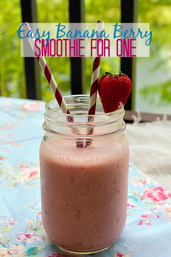 Easy Banana Berry Smoothie for One, great for my morning or mid afternoon snack!