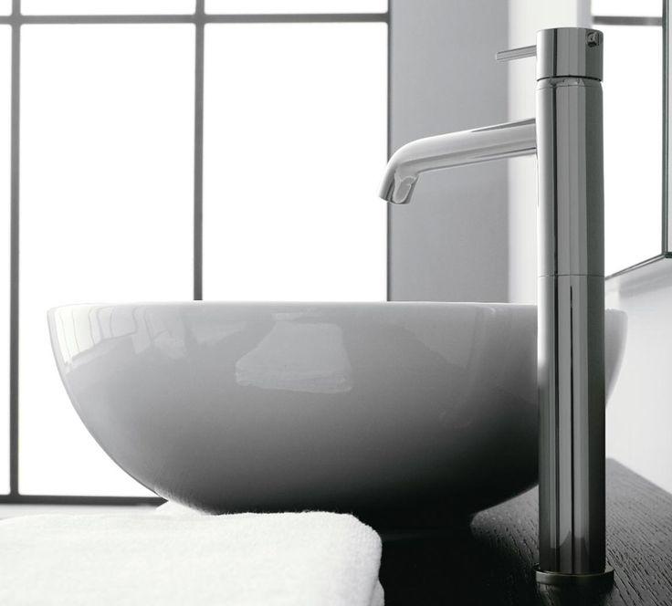 La logica ed il rigore di uno stile limpido e moderno sono le principali caratteristiche di #Modo, il #rubinetto di @zazzeri in grado di rendere il #bagno sempre attuale ed estremamente pratico. www.gasparinionline.it #design #madeinitaly #interiors #arredobagno #casa #arredare