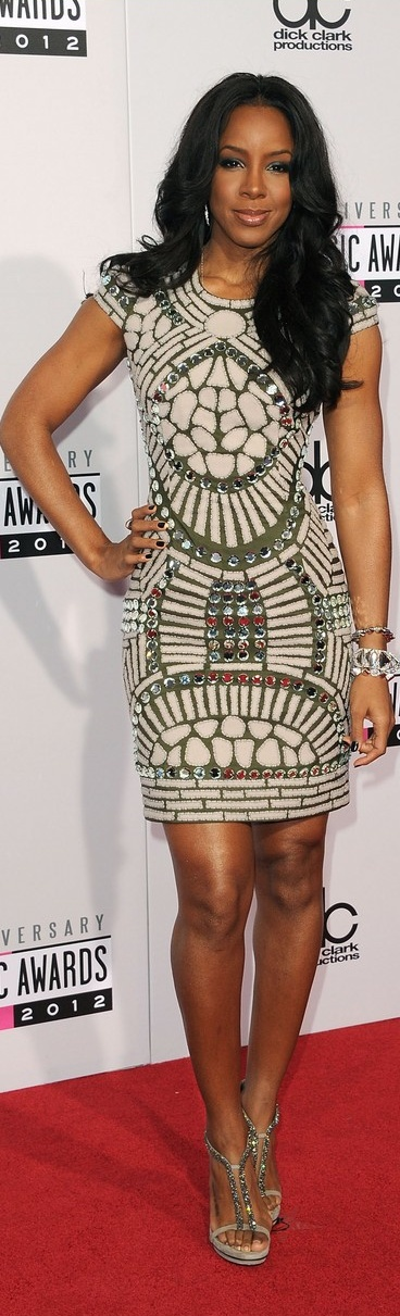 Kelly Rowland wearing a gorgeous mirror dress at the American Music Awards 2012