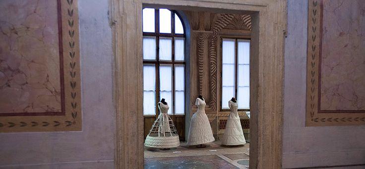 A Roma durante la settimana dell'Alta Moda si è voluto raccontare l'artigianato contemporaneo a Villa Poniatowski, attraverso A.I. Artisanal Intelligence.