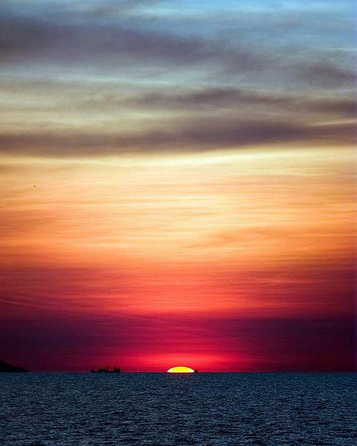 horizon: schijnbare grens tussen land/water en lucht.