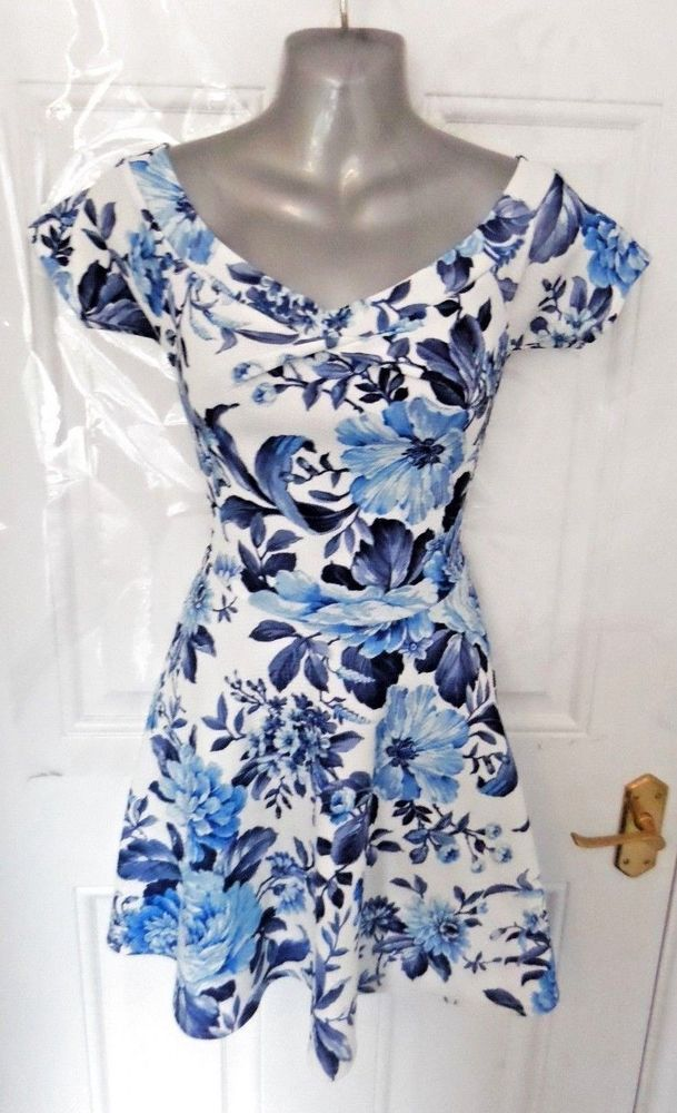 ❤ QUIZ Beautiful Ladies Size 8 White Blue Floral Stretchy Bardot Skater Dress
