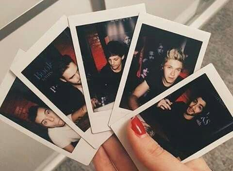 I loved polaroid pics. ..but now I love them even more...