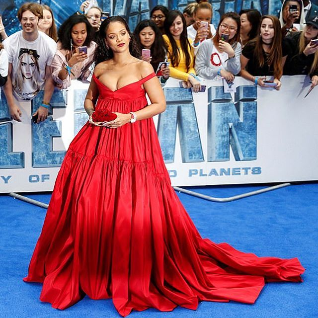 Red blooded women! @badgalriri in @giambattistavalliparis   via INSTYLE RUSSIA MAGAZINE OFFICIAL INSTAGRAM - Fashion Campaigns  Haute Couture  Advertising  Editorial Photography  Magazine Cover Designs  Supermodels  Runway Models