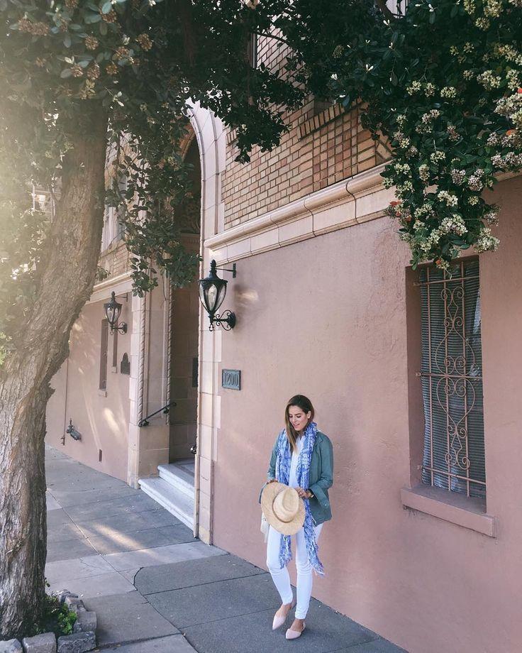 Afternoon light blooming flowers & a warm spring breeze #iloveyousf #sanfrancisco #mysf #willjourney #springtime #madewell #prestonandolivia #ootd