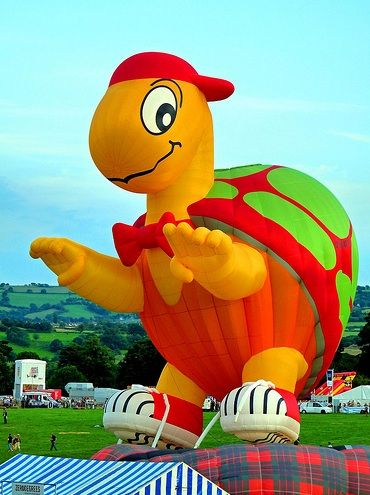 """Mr. Bup"" – Turtle hot air balloon at the Bristol Balloon Fiesta, in the UK, in 2009 - photo by Mark, via Flickr, on Taildom"