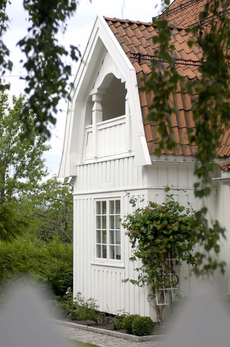 150 best dutch colonial images on pinterest home ideas for Dutch colonial house for sale