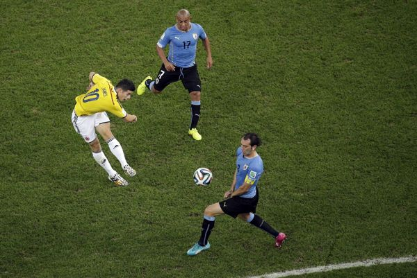 James Rodriguez puts Colombia up 1-0 on Uruguay with a breathtaking goal (Video)