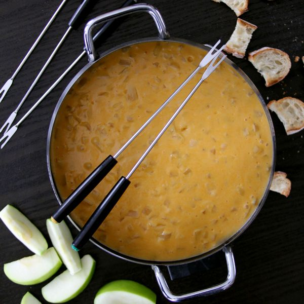 Easy beer cheese fondue
