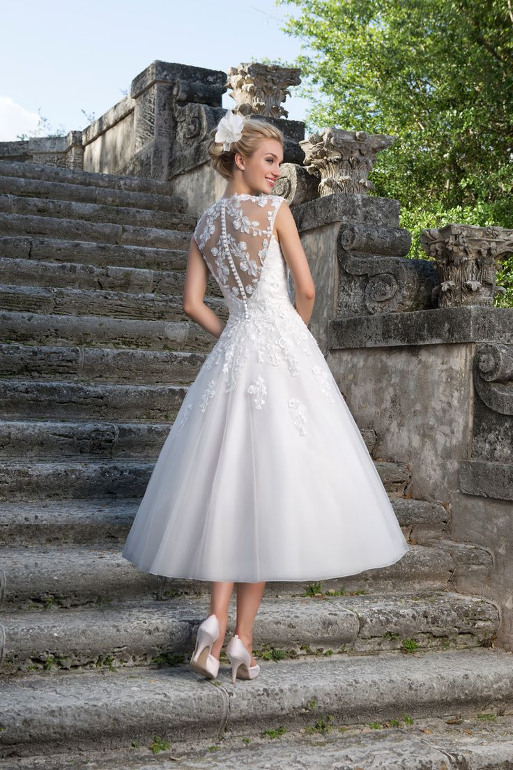Best 25 50s wedding dresses ideas on Pinterest  Bodas 50s style wedding dress and 1950s