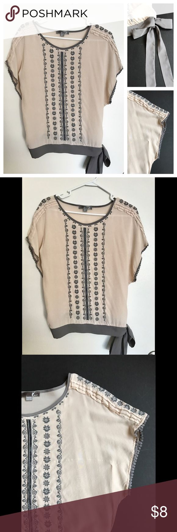 FOREVER 21, Peasant, Folk, Beige, Batwing Top, XS 🔹Light fabric  🔹With stretchy waist band and tie 🔹Excellent condition (no spots, snags, or odors) 🔹From smoke-free home Forever 21 Tops Blouses
