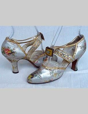 1930s Metallic Floral shoes - Tea Rose Mary Janes - A Shoe Refashion of Sorts - http://www.thefabledneedle.com/blog/tag/pink/