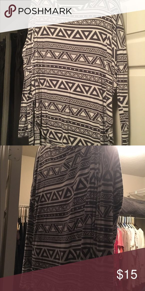Tribal print gray & Black tunic This is from Mint Julep Boutique. Cozy & perfect with leggings. mint julep boutique Tops Tunics