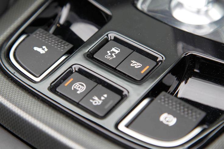 2014-Jaguar-F-Type-interior-control-teknology