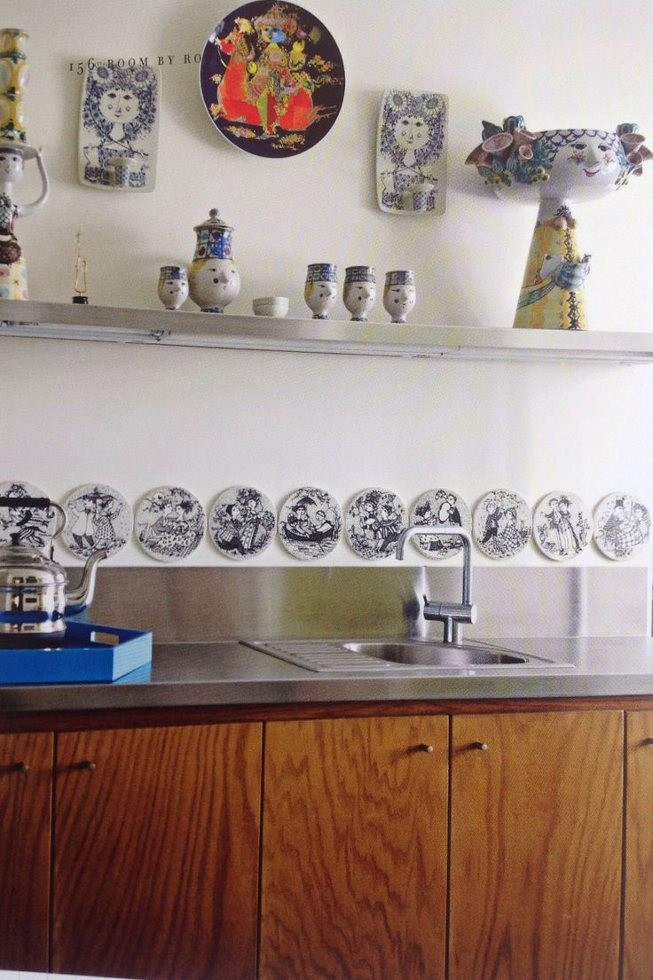 Jonathan Adler kitchen with Bjorn Wiinblad ceramics
