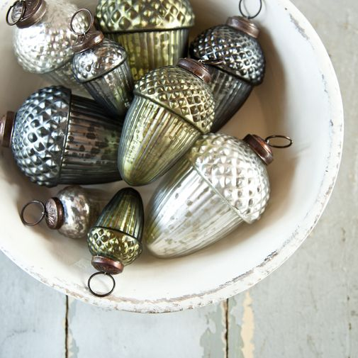 I may have just squealed a little bit! oooooooh.Mercury Glasses, Glasses Ornaments, Acorn Ornaments, Glasses Acorn, Vintage Acorn, Vintage Ornaments, Rustic Christmas, Christmas Decor, Vintage Christmas Ornaments