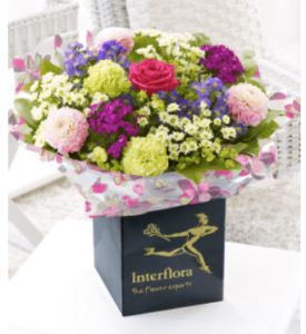 The Convenience of Online Flower Delivery  In today's Internet age, more and more people go online to order flowers for delivery. Ordering flowers online is so convenient.