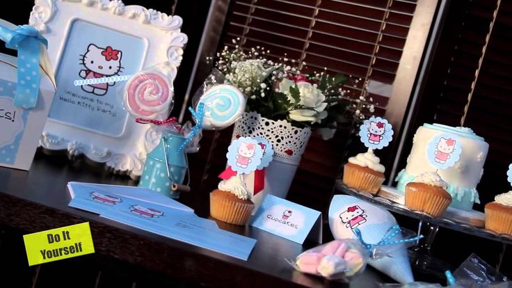 See how to make easy Hello Kitty Sugar Cookies !!!!