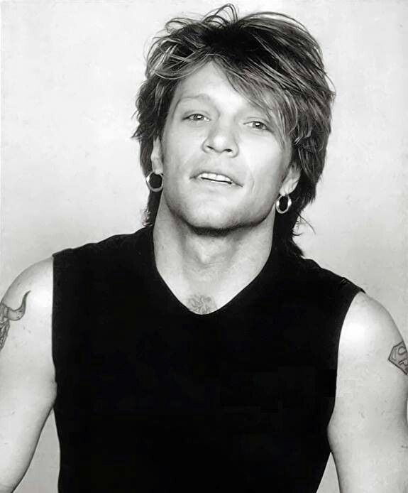 Jon Bon Jovi - B&W pic from early-to-mid 90's