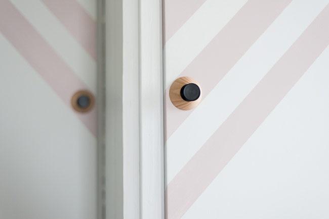 Stripete skapdører med maling - LADY Inspirasjonsblogg