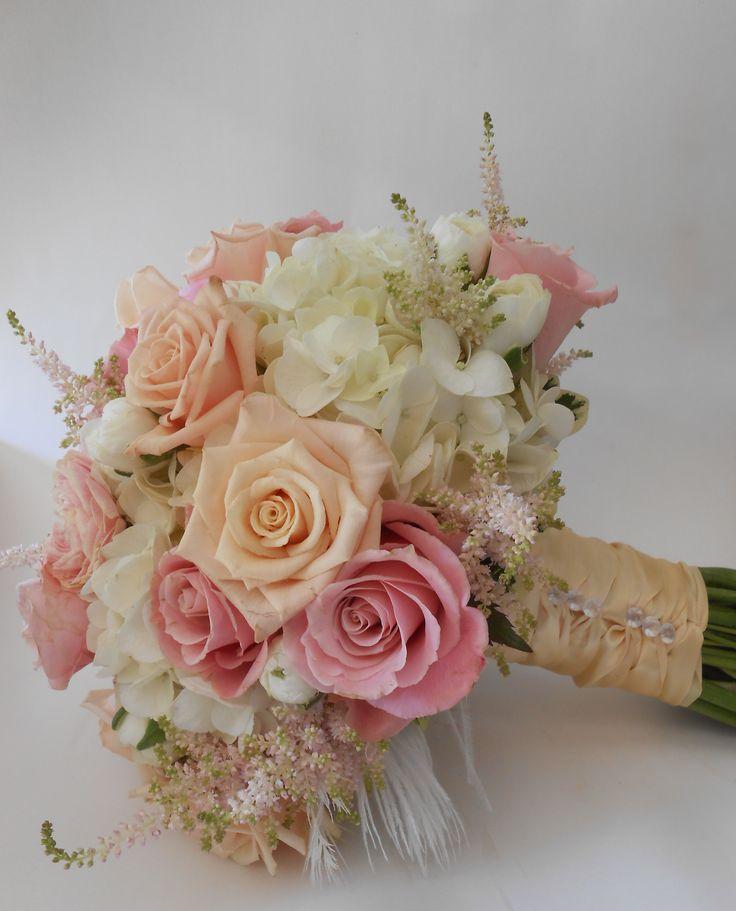Vintage Wedding Dresses Dallas: A Beautiful Bouquet With Sahara Roses, Charming Unique