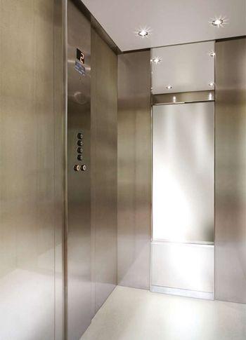 L'ascensore amico del sole: 230V, attivo anche in black-out, chiavi in mano - CEAM evolux.eco