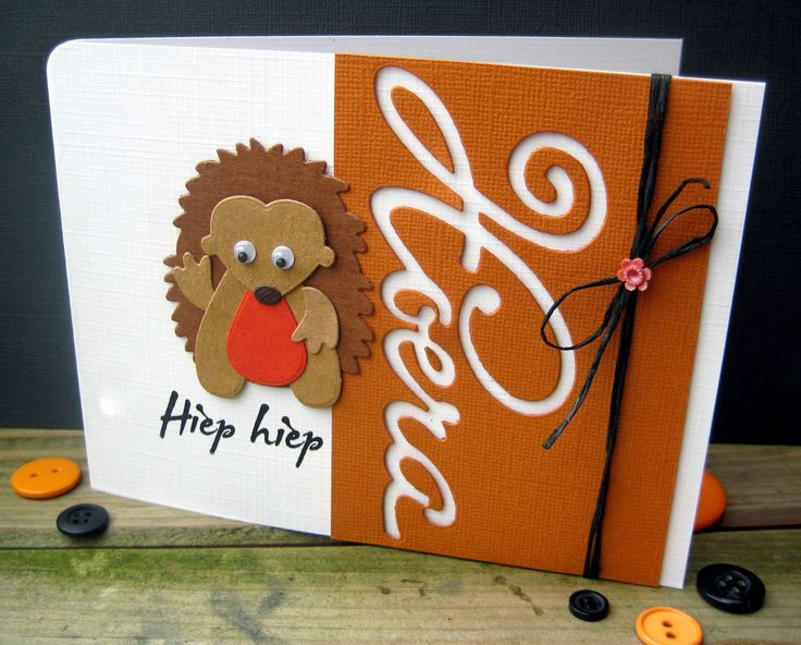 Scrapspul van Colien - Card with Collectables Eline's Hedgehog (COL1368) and Hoera (COL1348) by Marianne Design