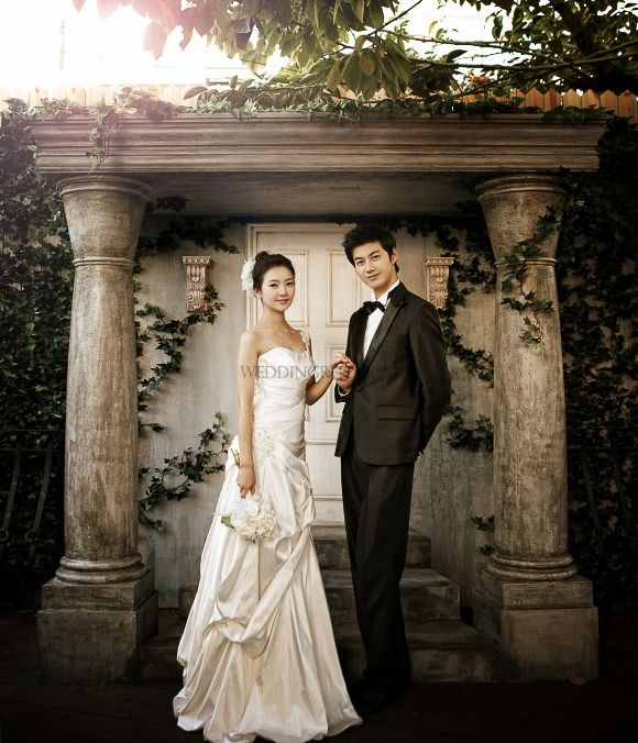 Korea Pre-Wedding Photoshoots by WeddingRitz.com » Close to nature without artificially not directing it where possible 'Spazio stuido'