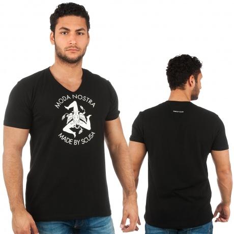 http://en.def-shop.com/SCUSA/Men/Overwear/T-Shirts/Fashion-Street-Tees/SCUSA-Trinacria-T-Shirt-Sonny-Black.html
