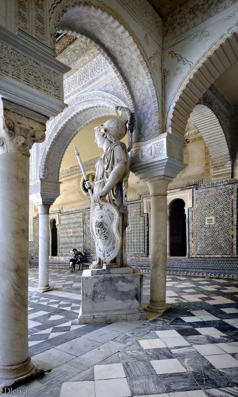 Sevilla (España) Patio de la casa  de Pilatos