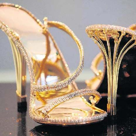 These babies are made entirely from solid gold and encrusted with 2,200 diamonds. You can pick a pair up for just £100,000 ;-)
