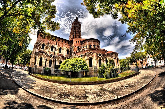 Foto molto bella della basilica di Saint Sernin, Tolosa, Francia.