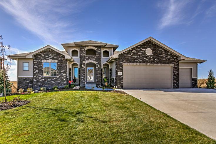 11 best bluestone curb appeal images on pinterest curb for Nebraska home builders