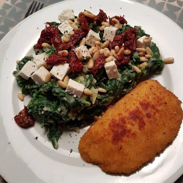 Gijs Hoes (@gijshoes) op Instagram: 'Spinaziestampot met een vegetarische schnitzel #uitpaulineskeuken #freshandeasy #dinnertime…'