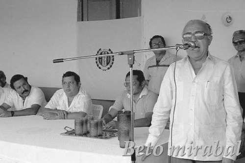 Cuando Piñerúa estuvo en Altagracia de Orituco /  Altagracia de Orituco.- ¿Con quién estás tú compañero? -preguntaba una voz alegre en medio de la euforia de la campaña electoral y otra voz respondía: - Con Luis Piñerúa vale- . Corría el año 1978, los adecos gobernaban con su máximo líder, Carlos Andrés Pérez. Para la campaña de ese año