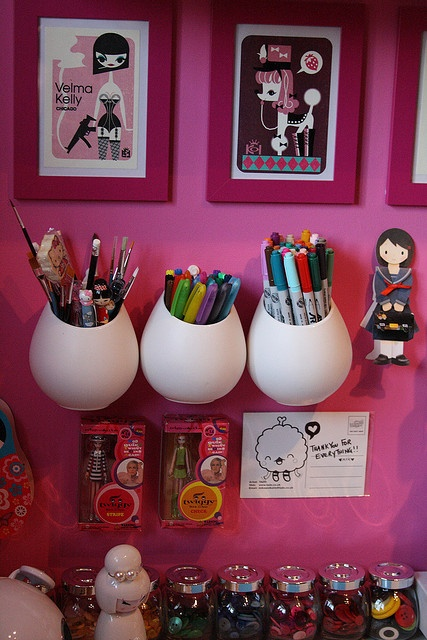 love the pink walls: Craftroom Inspiration, Workspaces Inspiration, Inspiration Craftroom, Crafts Rooms, Crafts Spaces, Kids Art, Craftroom Workspaces, Pink Wall, Art Rooms